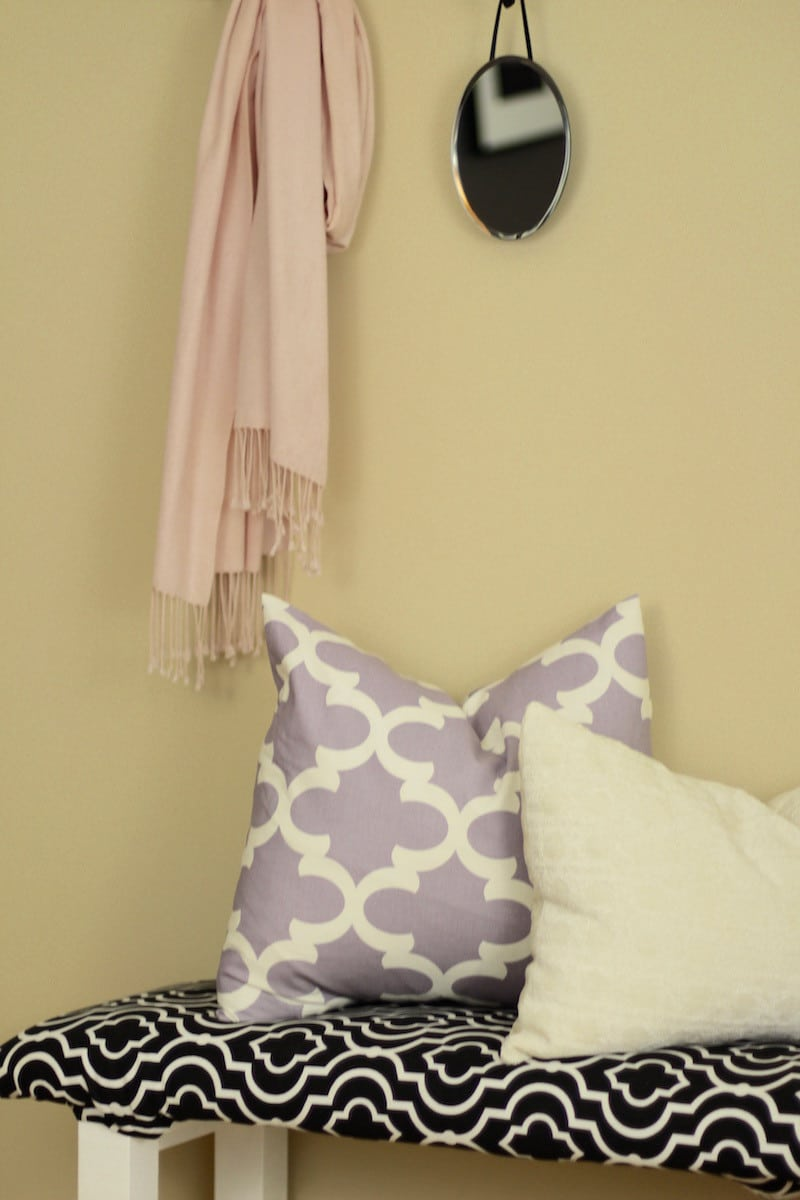 Entryway Bench with Pillows