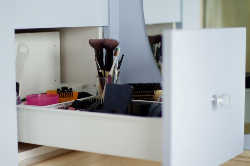 Built-In Drawer With Make-Up