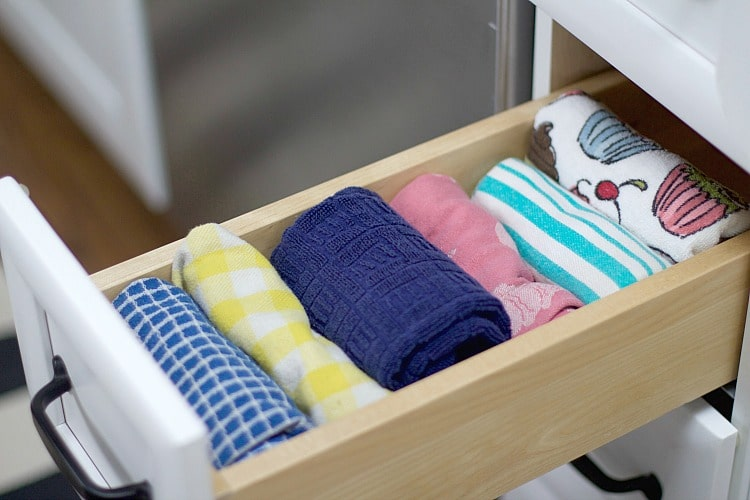 Towel drawer organization