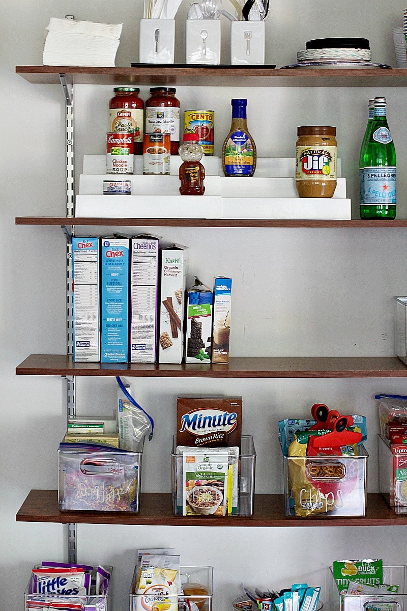 how to organzie a pantry