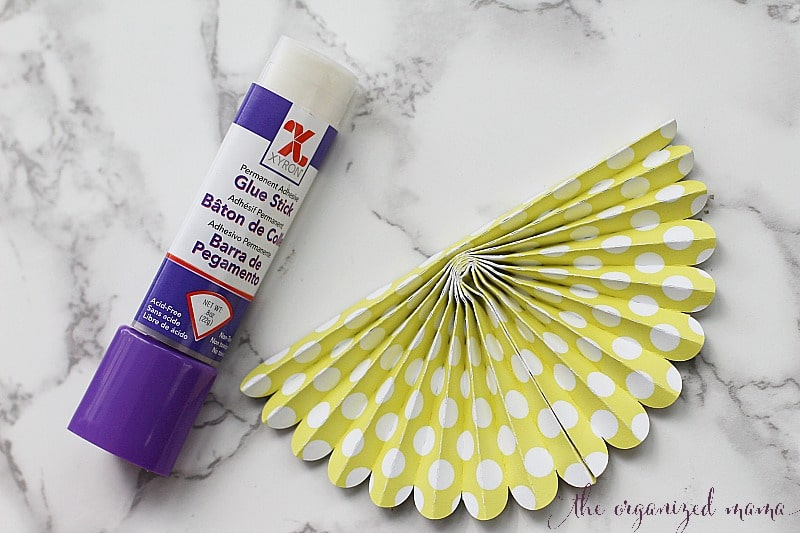glue stick paper bunting tutorial
