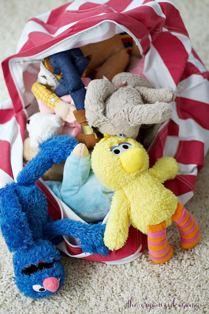 how to organize stuffed animals bean bag
