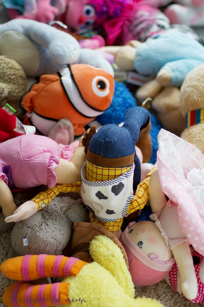 how to organize stuffed animals piles