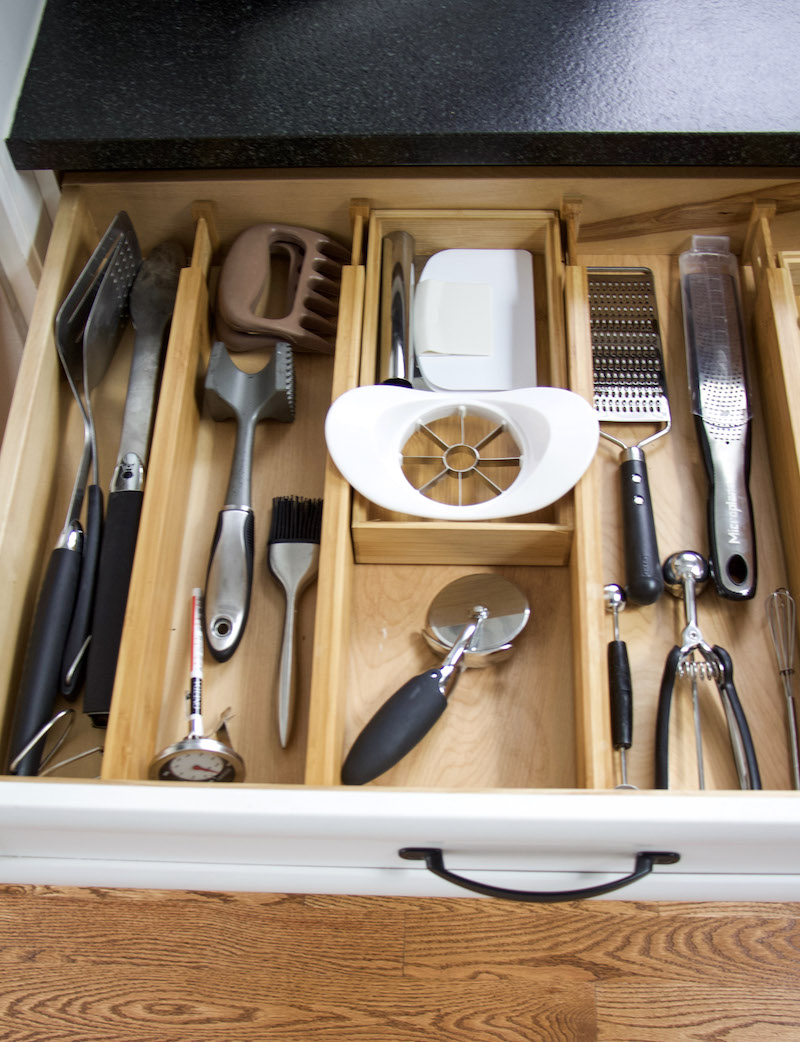 kitchen drawer organized with bamboo drawer dividers and bamboo boxes to keep organized by category #kitchenutensils #organize