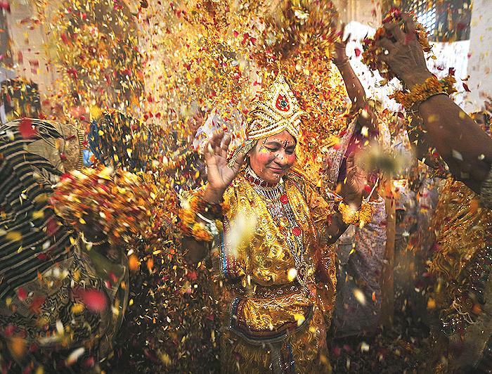 Vrindavan widow_Holi celebration 2021