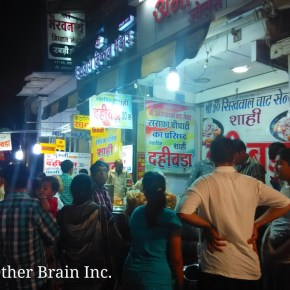 Indore's Sarafa Bazaar – India's Midnight Market Where Food Comes Alive..