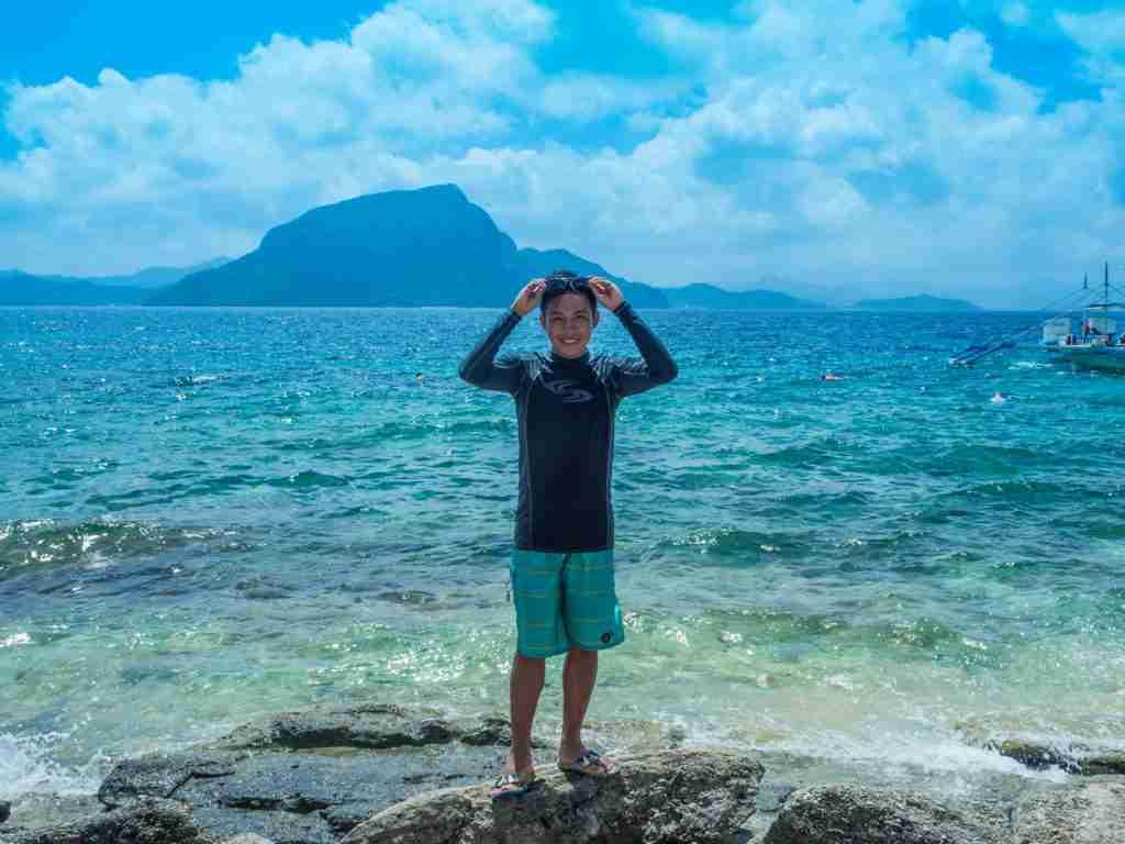 blue sky blue beach in helicopter island el nido