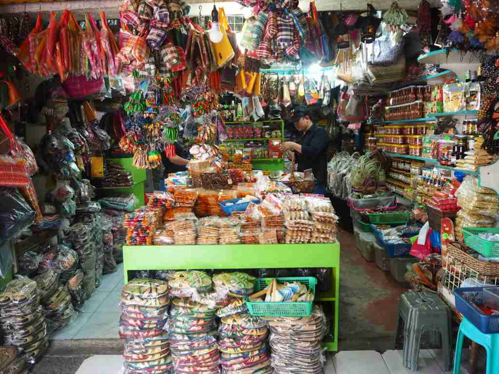 Food and souvenir store in Naga