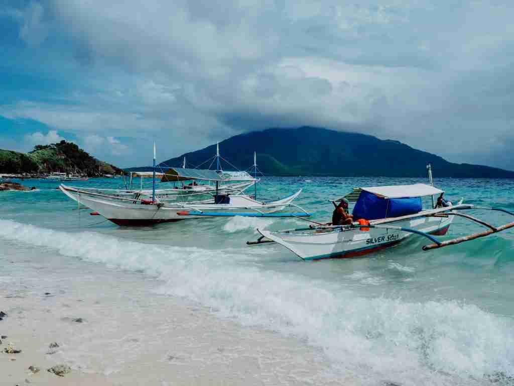Sambawan Island boats