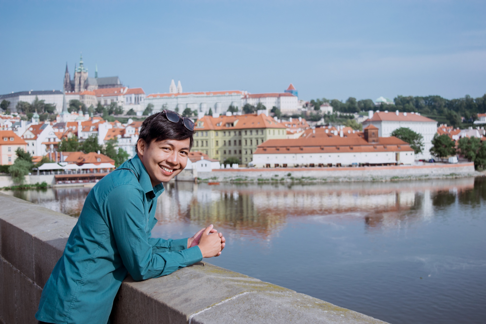 1 month europe trip charles bridge in prague