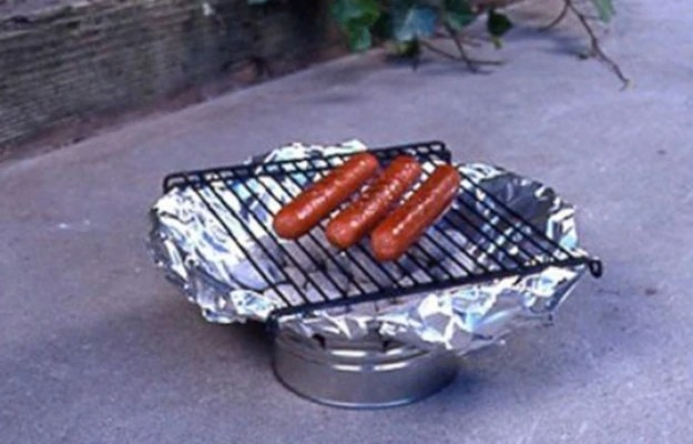 Make your own grill out of a tin can