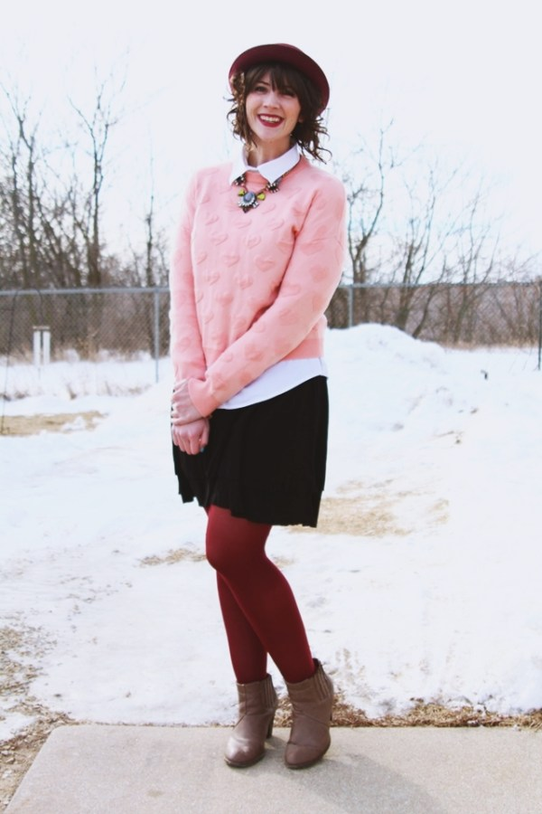 valentines-day-heart-sweater-outfit-02