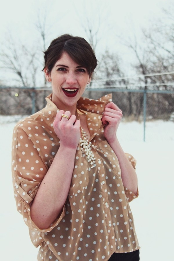 vintage-pearls-dots-outfit-02