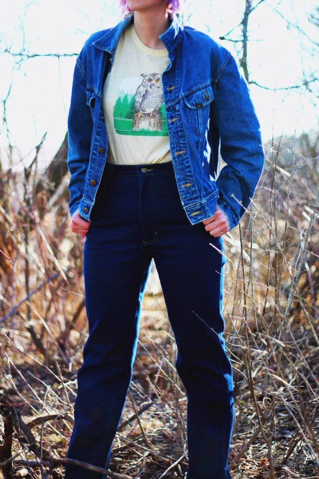 1970's inspired outfit: High waisted flared denim pants, jean jacket, vintage yellow owl graphic tee, oversized sunglasses, heeled boots, Seventeen magazine