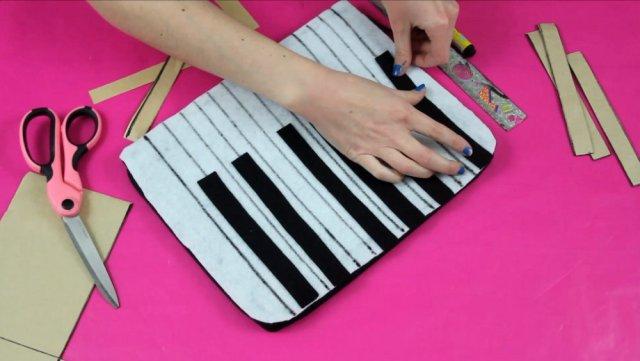 DIY Piano Keyboard Clutch | Fashion Flashback | www.theoutfitrepeater.com