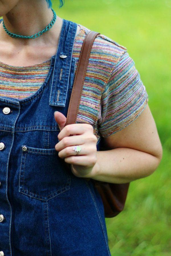 rainbow-crop-top-denim-jumper-blue-hair-outfit-03