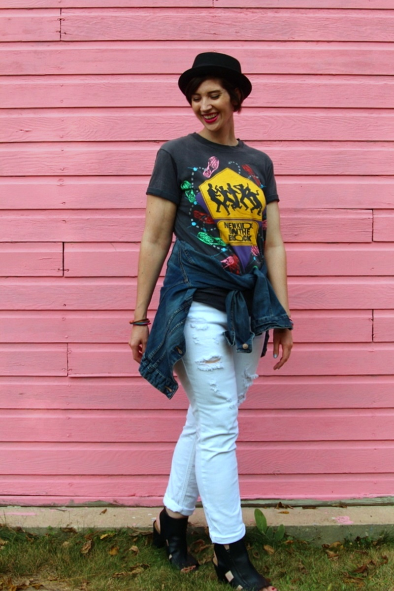 the outfit repeater hannah rupp fall style 1980s fashion trend vintage thrifted nkotb tee white shredded jeans black high heels asos pork pie hat jelly bracelets