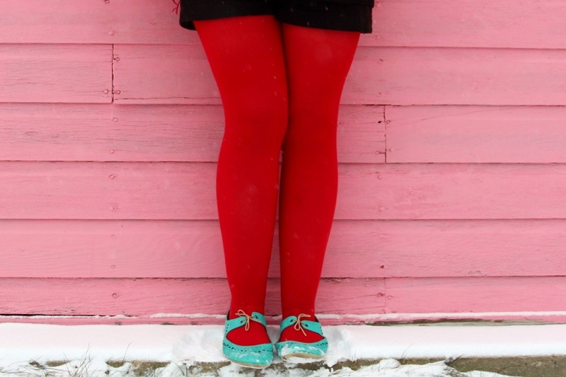 the outfit repeater hannah rupp christmas winter snow red tights sequins santa vintage