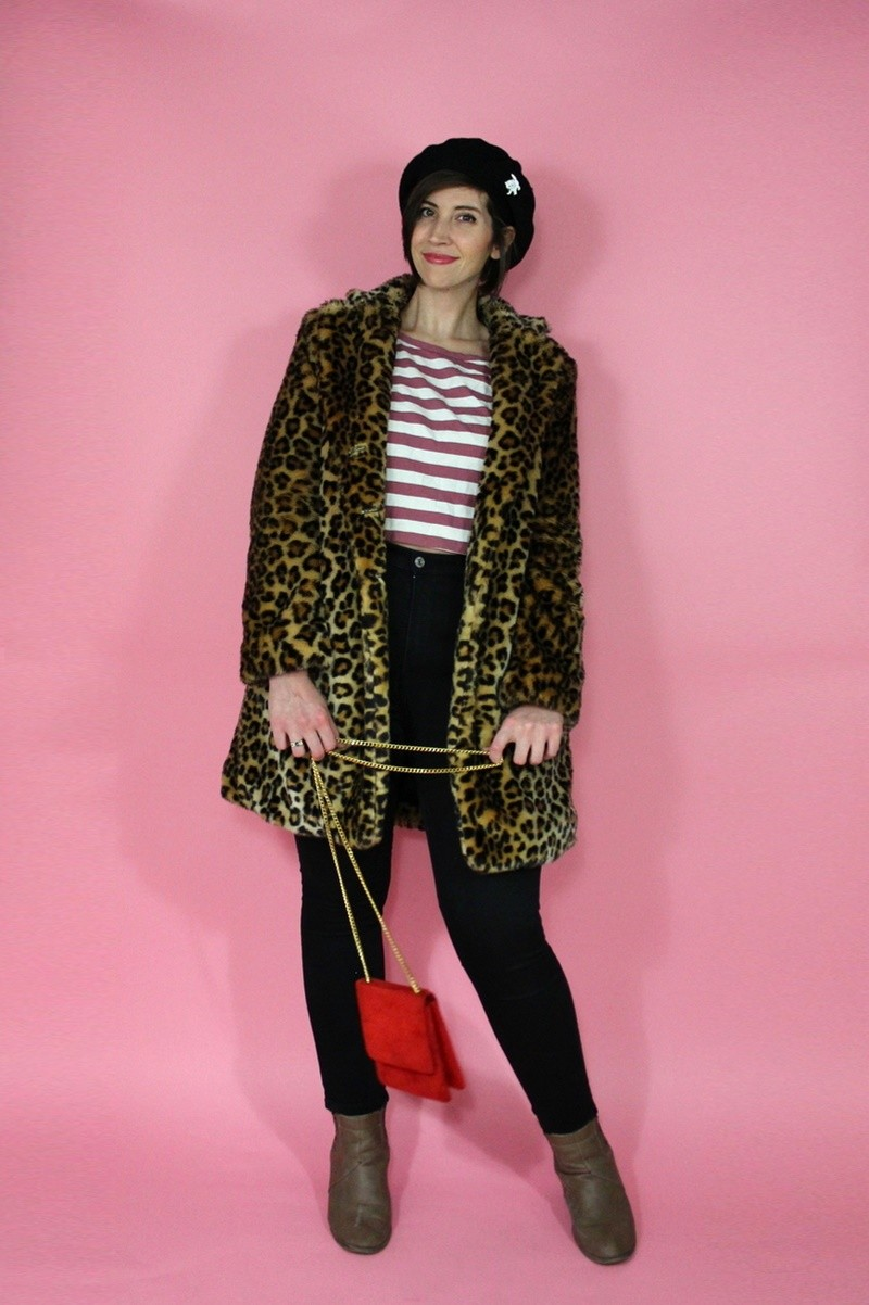 hannah rupp the outfit repeater Striped crop top, H&M high waisted jeans, vintage beret, Forever 21 leopard print coat, tan booties