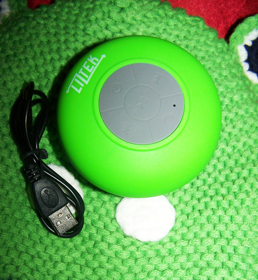 Liztek JSS-100 HD Water Resistant Bluetooth 3.0 Shower Speaker Review.