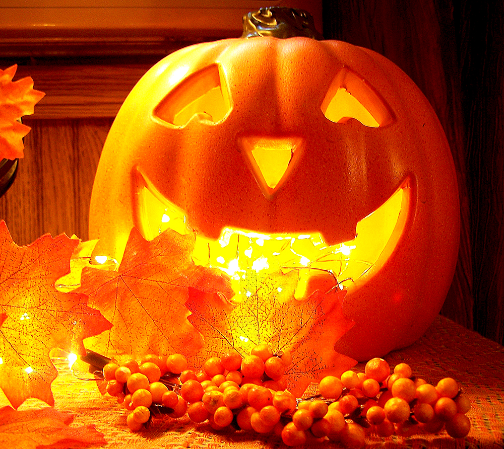 Halloween, Samhain All Saint's Day All Saint's Eve Allhallowtide All Soul's Day Satanism Satanic pumpkin jack olantern glowing glow rant religion celtic catholic mexican day of the dead