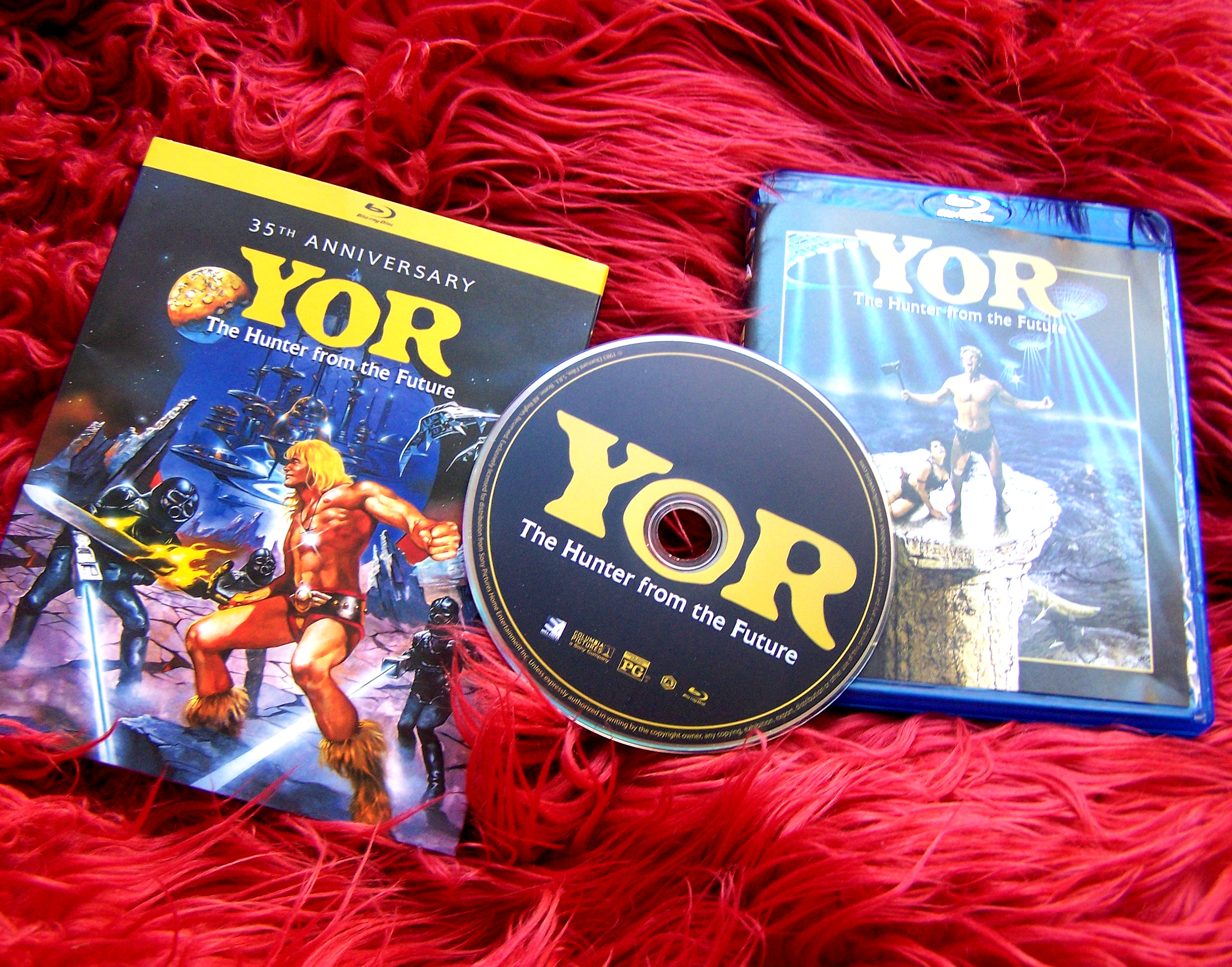 yor the hunter from the future, bluray dvd mill creek entertainment review movie film blog fantasy science fiction 1980s 80s cheesy funny so bad its good dinosaurs cavemen spaceships