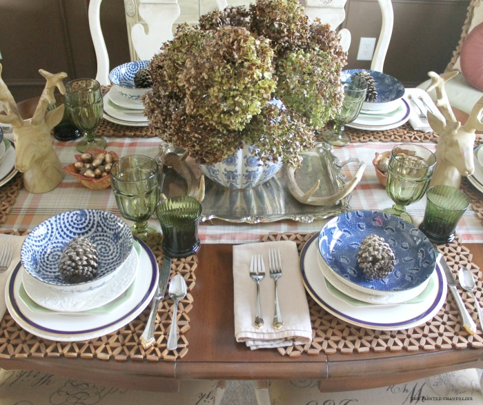 hydrangeas-blue-and-white-fall-tablesetting-dining-room- & blue and white table setting \u2013 Loris Decoration