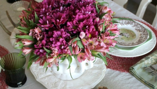 Fuchsia and Coral Inspired Thanksgiving Table Setting