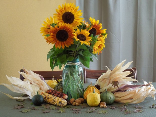 Fall / Autumn Centerpiece Using Natural Materials