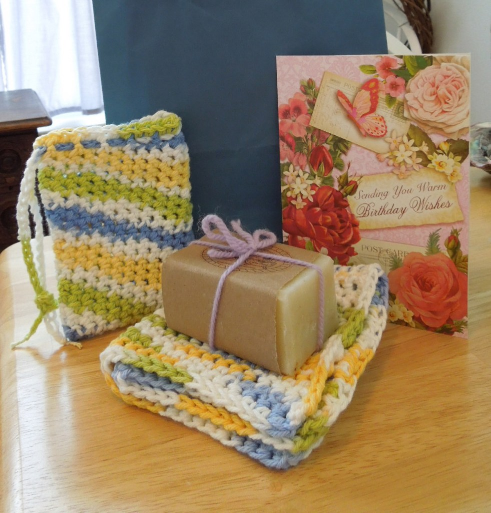 Crochet Pattern for a Washcloth and Soap Saver Set