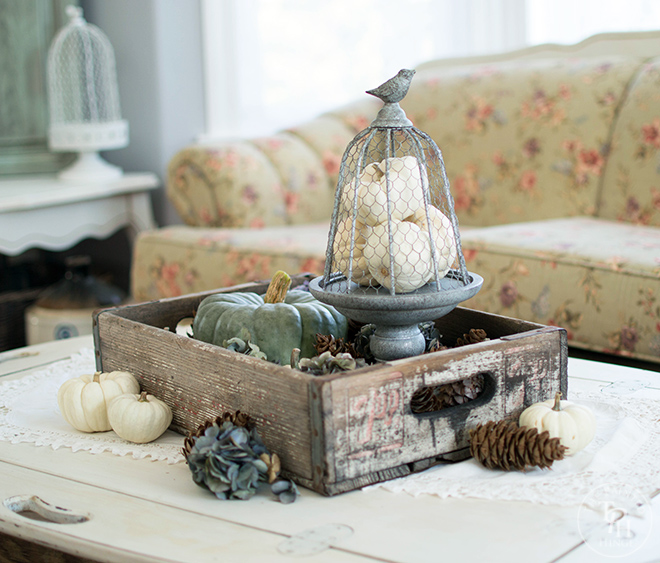 A Simple Fall Table Centerpiece