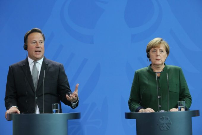 President Varela and Chencellor Merkel: she doesn't LOOK so overjoyed about what he's saying. Photo by the Presidencia.