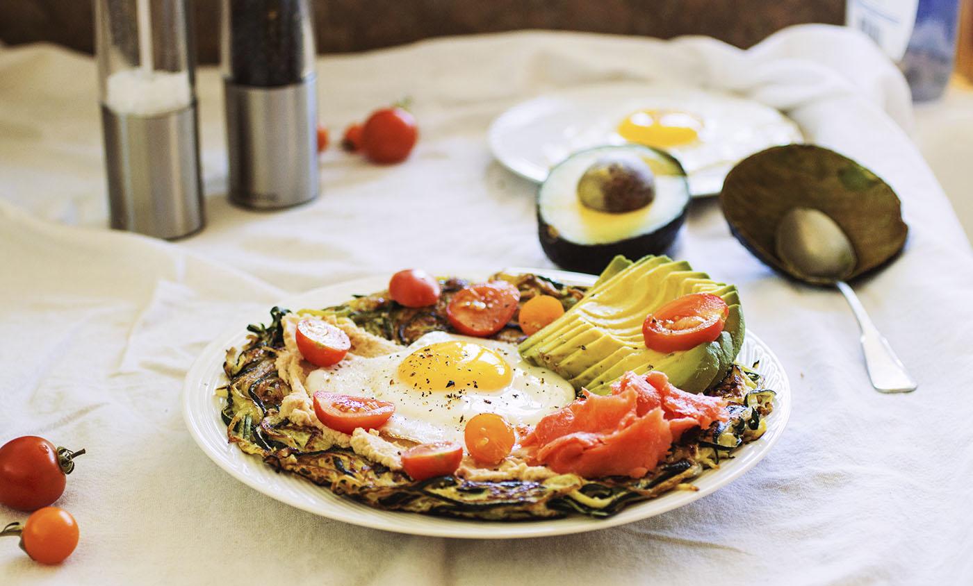 """Spiralized Zucchini Breakfast """"Pizza"""" // The Pancake Princess"""