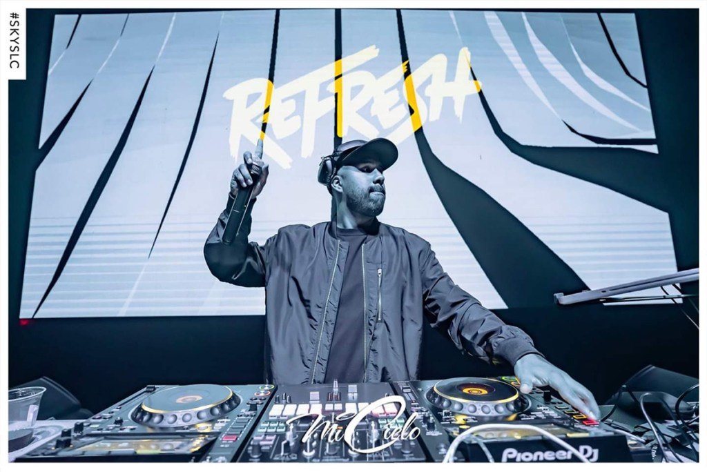 Dj Refresh DJing live
