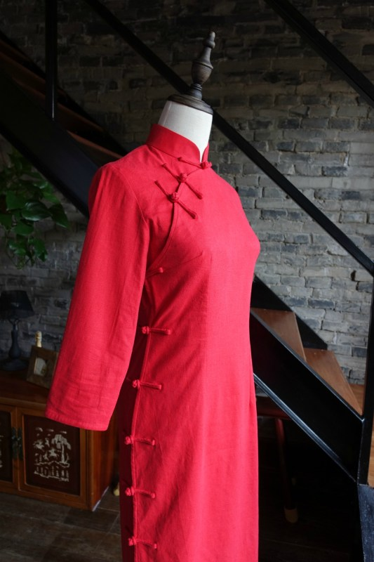 Traditional red qipao cheongsam mannequin diagonal view