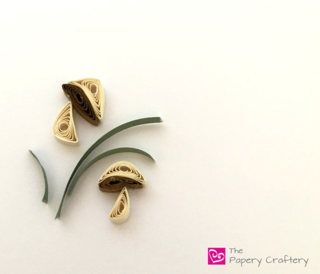 Quilling Paper Mushrooms and Grass - Mini quilling paper mushrooms tutorial for all your paper crafting needs! | thepaperycraftery.com