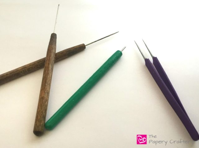 Quilling Tools. Needle tools and slotted tools: Which quilling tool is right for you? || www.thepaperycraftery.com