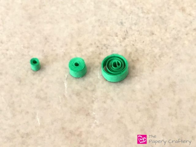Quilling Basics: How to Make Simple Paper Coils || www.thepaperycraftery.com