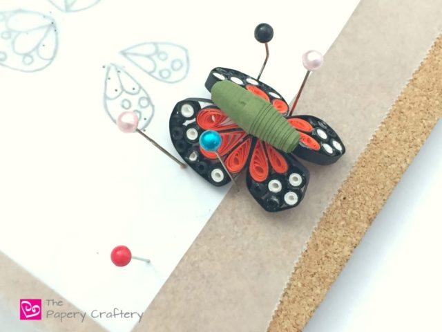 Quilling Paper Monarch Butterflies ~ Quick and simple butterflies in classic orange and black || www.ThePaperyCraftery.com
