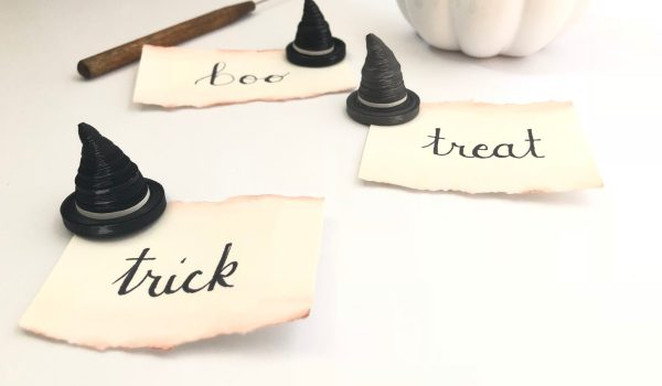 How to Make Quilling Paper Witches Hats ~ Mini Halloween decorations for the beginner quiller || www.ThePaperyCraftery.com