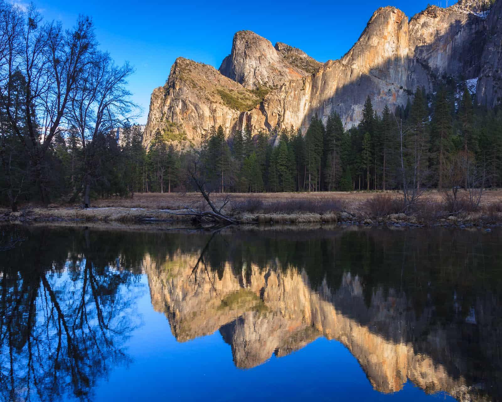 https://i2.wp.com/www.theparadigmrealtygroup.com/wp-content/uploads/2017/10/bigstock-Cathedral-Rocks-Reflections-40631113.jpg