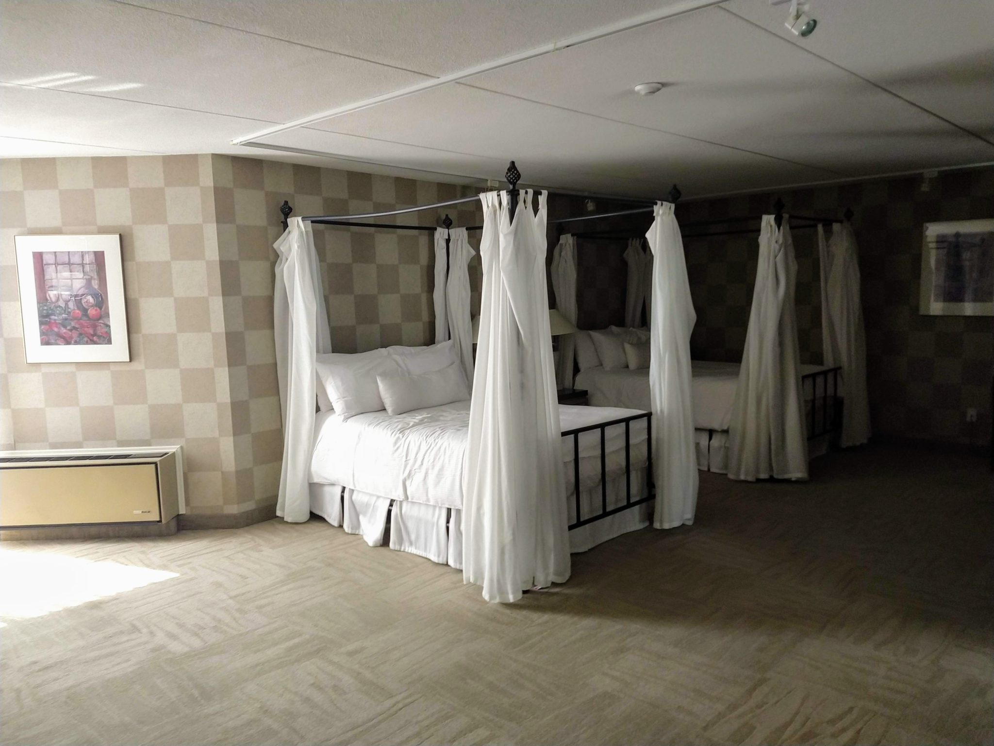 Poster Bed White Oaks Spa & Resort Niagara-on-the-Lake Ontario Canada