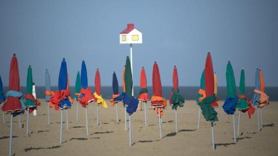 Les parasols de Deauville © Béatrice Augier