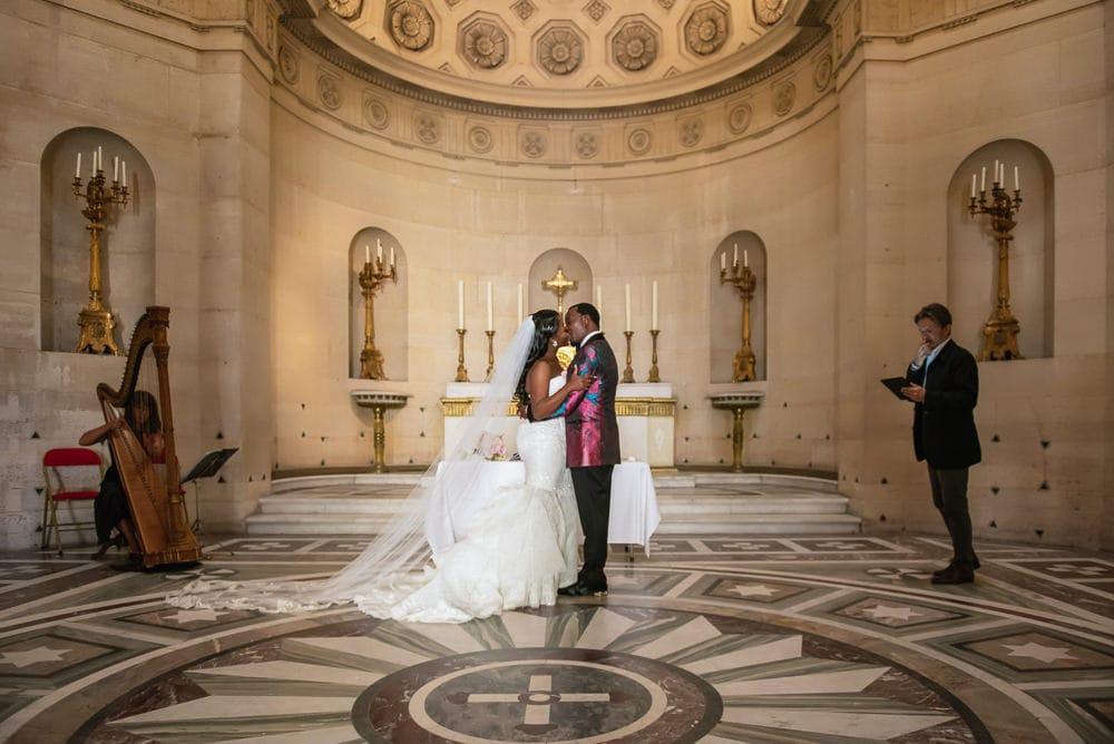 First Kiss - Plaza Athenee Paris Wedding - Chapelle Expiatoire ceremony -4