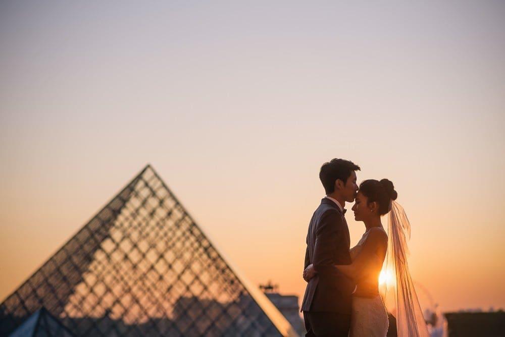Best couple photo at sunset in Paris – The Paris Photographer