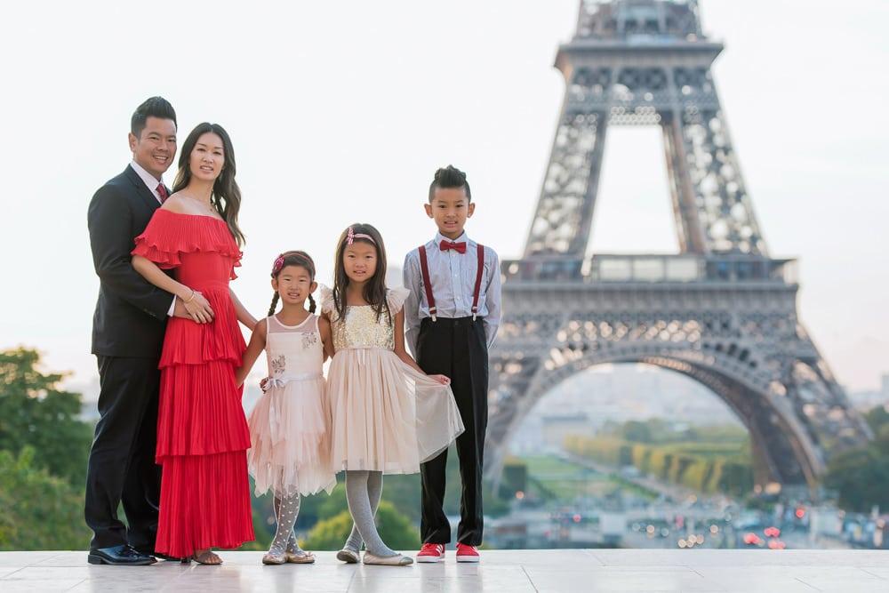 family photo shoot in paris 2