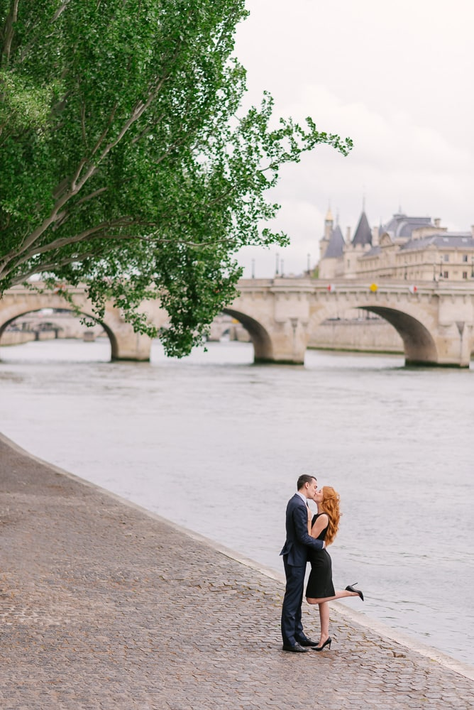 Couple photo session in Paris