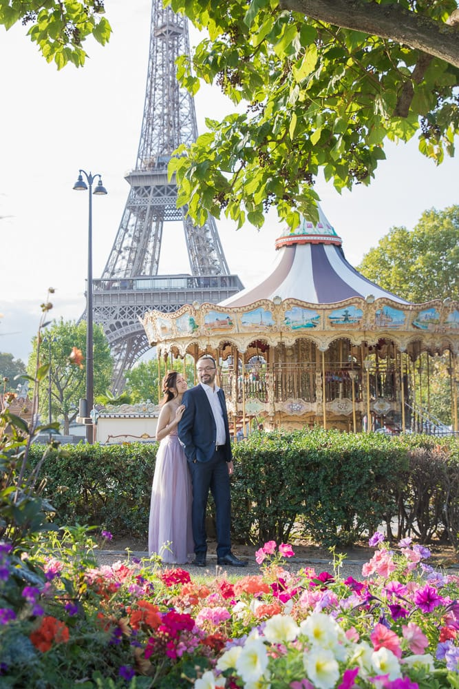 Wedding photo by the carousel and Eiffel Tower