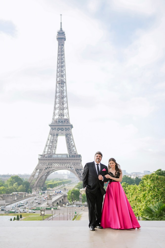 Father walking with daughter on quince photo shoot in Paris