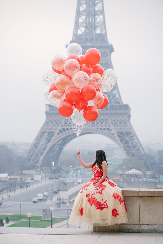 Paris quinceanera pictures with balloons by The Paris Photographer